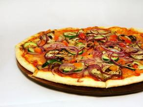 Confira receita vegana para fazer em casa e celebrar o Dia da Pizza,celebrado no sábado (10)