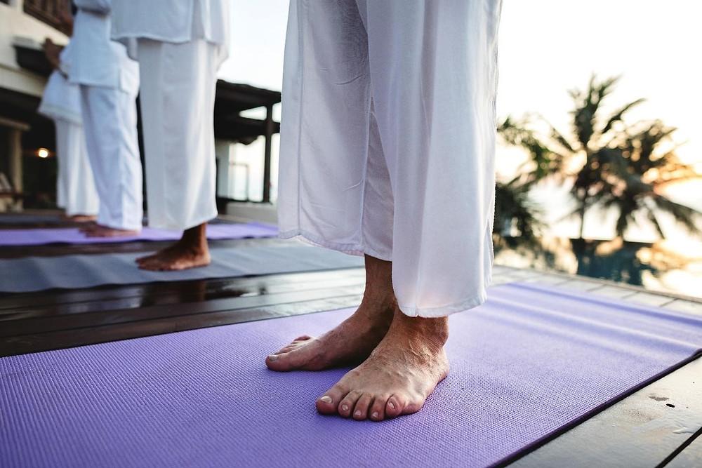 orte as unhas dos pés regularmente e em linha reta - Crédito: Freepik