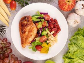 Nutricionista da Dietbox elenca grupos alimentares que aumentam a produção de serotonina