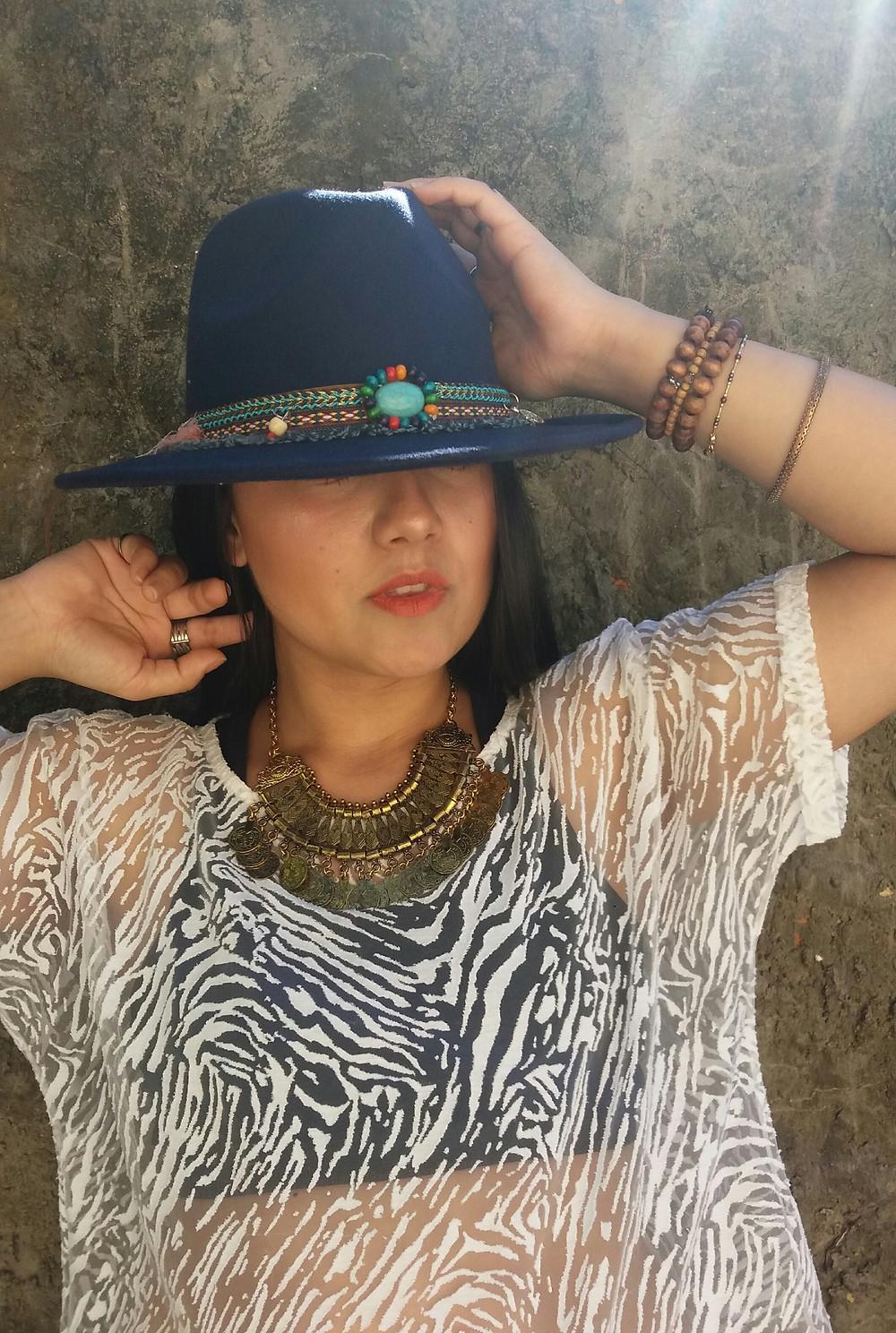 Além de ser muito estiloso, o chapéu levanta qualquer produção - Imagem: Divulgação