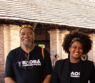 Ivam Galvão e a estudante do 4º semestre de Jornalismo, Jeniffer Oleca - Crédito: Daiany Oliveira