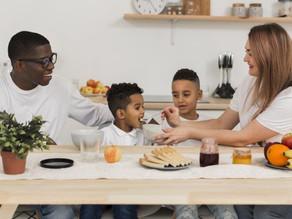 Confira as dicas para construir uma boa relação das crianças com a comida
