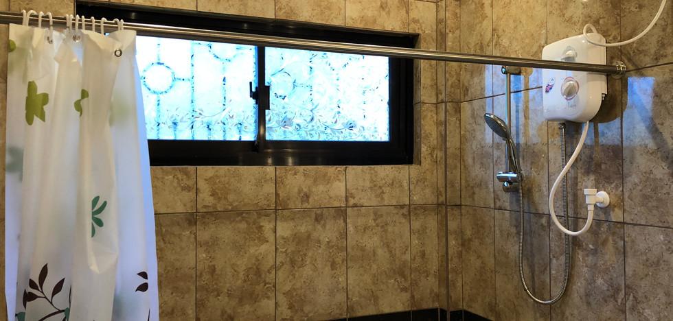Shower Superior Room 1