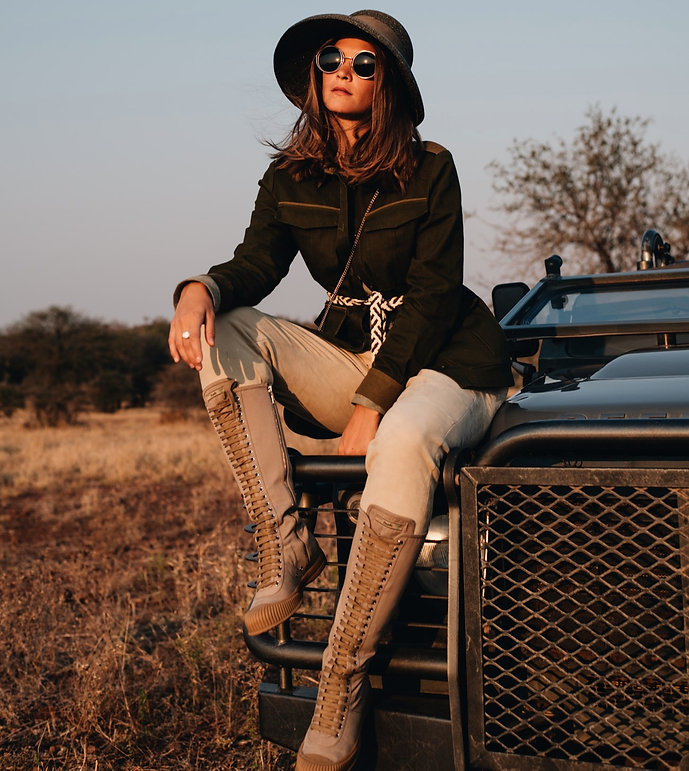 Safari Vehicle pose - with safari outfit
