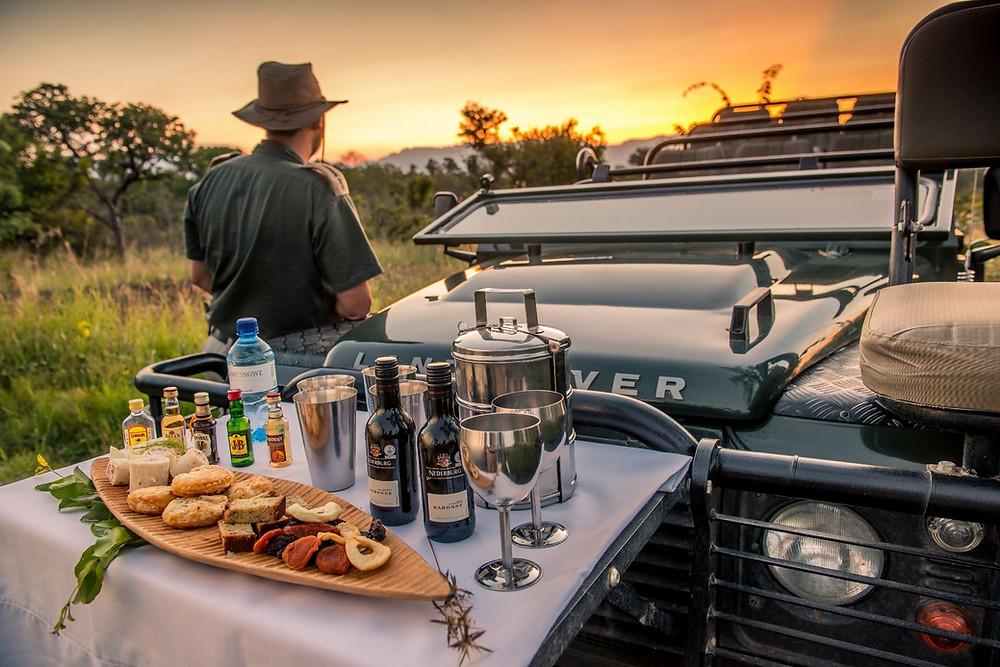 Serengeti Early Breakfast - Luxury African Safaris