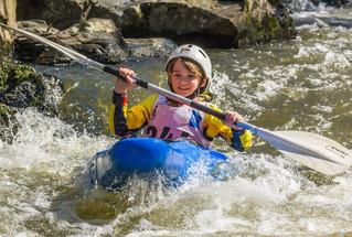 Giboulées d'épreuves pour les jeunes kayakistes
