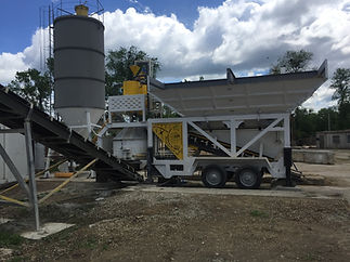 Concrete Mobile batchiConmach mobile concrete batching plants are mostly chosen for the construction base works. Their advantage is their easy assembling and disasembling features. Concrete capacity of our mobile concrete batching plants a are from 30 m³/h to 150 m³/h.