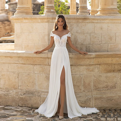 Bohemian Wedding Dress Side Slit Lace Applique Beach Wedding Dresses