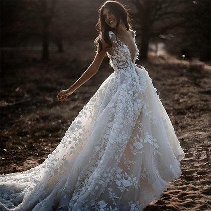 Sexy Bohemian Wedding Dress 2021 Short Sleeves Deep v Neck Floral Appliques