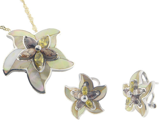 Flower Mother of Pearl Earring and Pendant Set  925 Sterling Silver Cubic