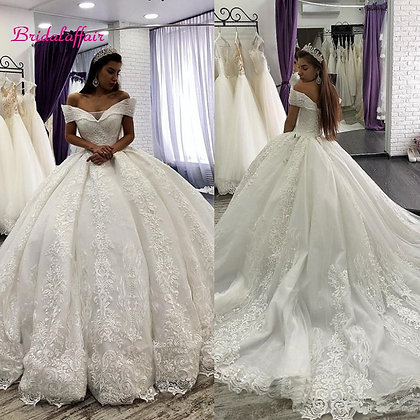 Lace Ball Gown Wedding Dresses Off the Shoulder Chapel