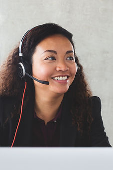customer-service-rep-on-headset_4460x446