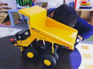 ダンプトラックの模型を頂きました!