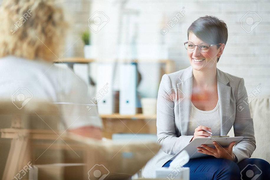 61356403-psicólogo-y-feliz-de-escuchar-s