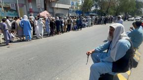 Talibã enfrenta crises econômica e humanitária no Afeganistão