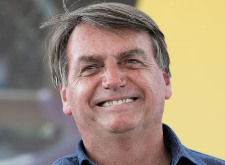 Bolsonaro recebe alta após cirurgia para retirada de cálculo na bexiga