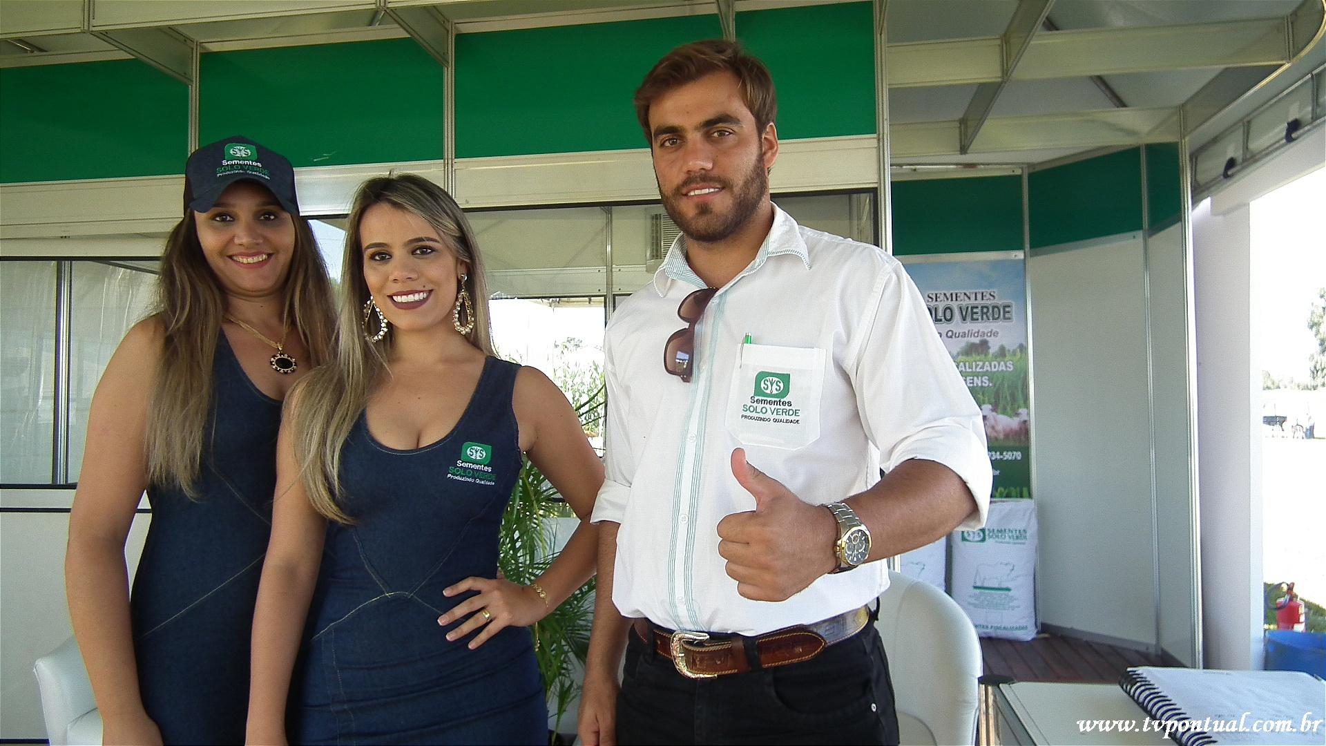 Paulo e equipe - Stand da Solo Verde