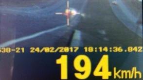 PRF flagra veículo a 194 km/h na BR-060, entre Rio Verde e Jataí