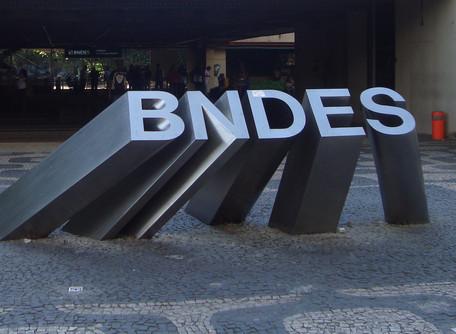 BNDES aprova R$30 bi em créditos para linhas emergencias na pandemia