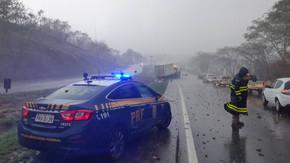 PRF alerta motoristas sobre condução em pista molhada