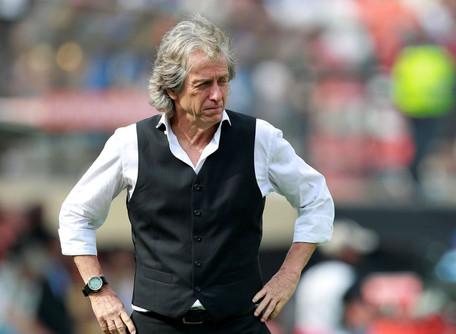 Benfica marca apresentação de Jorge Jesus em busca de dias melhores