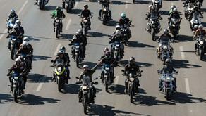 Brasília: presidente faz passeio de moto neste domingo de Dia dos Pais