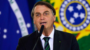 Vacina tem impacto que precisa ser bem esclarecido, diz Bolsonaro