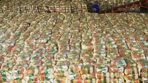 Governo de Goiás distribui mais de 40 mil cestas básicas em uma semana