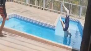 Homem fica gravemente ferido após mergulhar e bater a cabeça em divisória de piscina em Caldas Novas