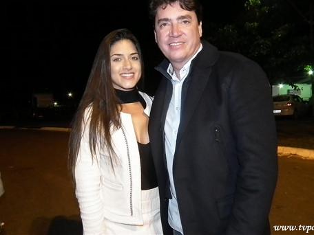 (Foto do dia) Senador Wilder Morais e sua namorada, durante a abertura do Rodeio da Expomorrinhos 2.