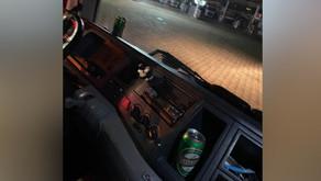 Noiva com vestido e caminhoneiro são flagrados bêbados em blitz da polícia em Anápolis