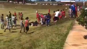 Jogadores denunciam que foram vítimas de racismo por presidente do time adversário durante jogo