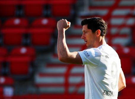 Com flexibilização de quarentena, europeus fazem cronograma de volta do futebol
