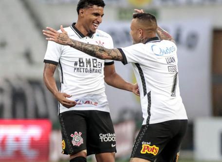 Corinthians vence e vai em busca do tetra Paulista