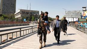 Talibãs mostram-se abertos à admissão de mulheres no governo