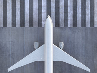 Companhia aérea deverá indenizar padrinhos de casamento que tiveram vôo cancelado