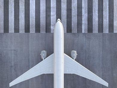 Flugzeug auf der Piste
