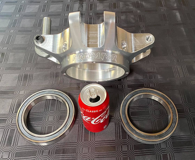 Predator V8 4X4 SXS Billet hub - Internal CV Joints