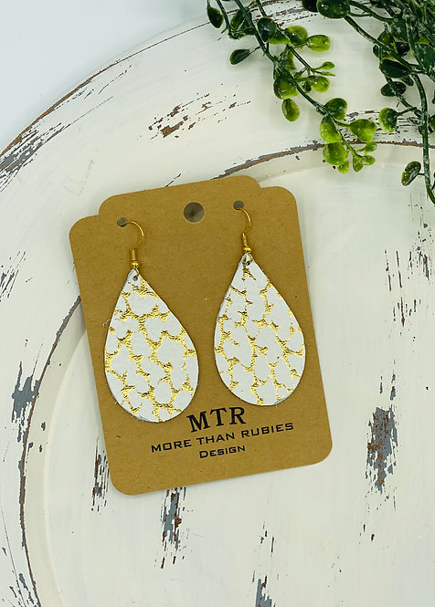UNIQUE CRACKLE GOLD/WHITE LEATHER EARRINGS