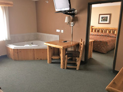 2 Room Suite w/ Spa & Fireplace