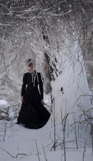 angirias_1_black_dress_cropped