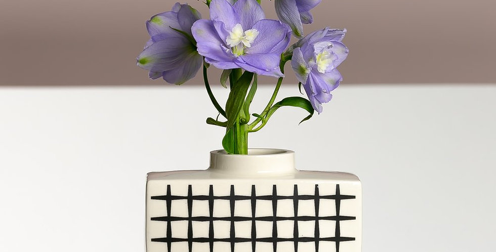 Shirbori Boat Vase