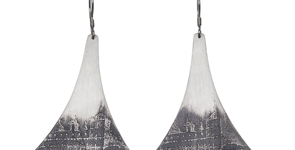 Etched Earring No. 32