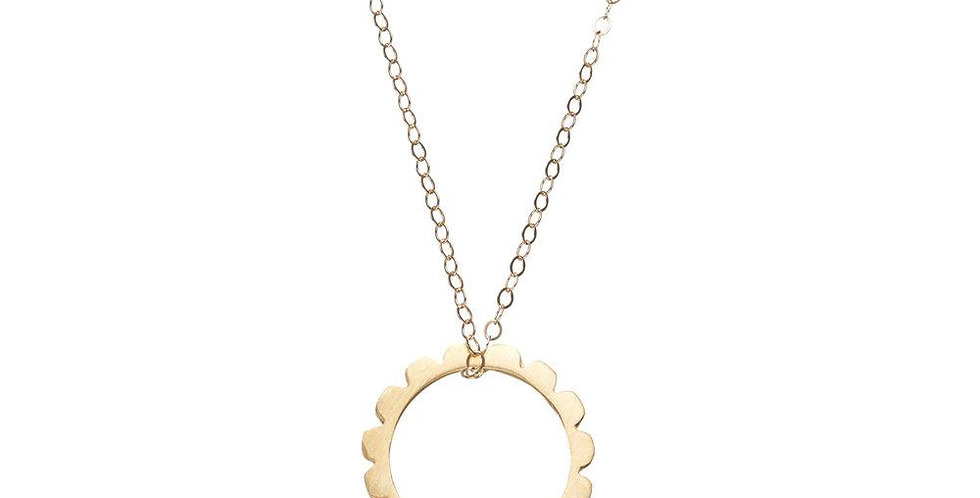 Frill Circle Necklace
