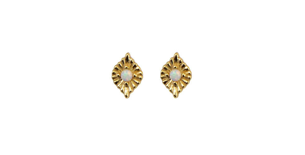 White Pearl Gold Studs