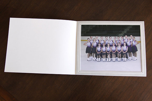 "1 8x10"" Team Photo in Folder"