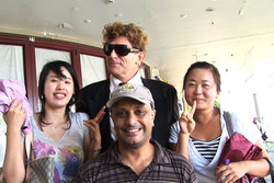 Akmal Frank & Korean girls.jpg
