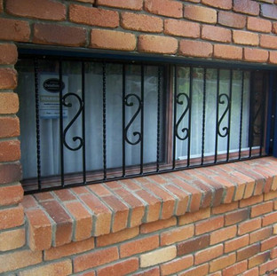 Simple yet secure window grill.