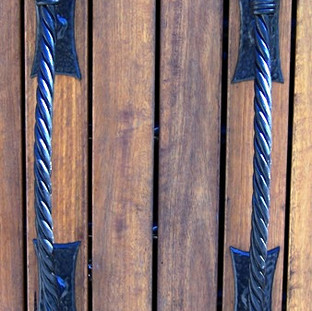 """Ornate """"Gothic"""" handles (front-aspect)"""