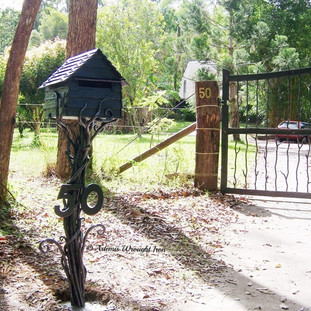 "The ""Sleepy hollow"" mailbox. (roadside-view)"